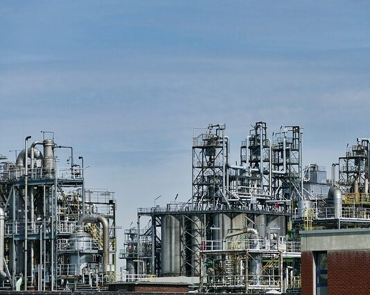Saudi-Aramco-Becomes-the-first-$2-Trillion-Company