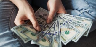 Startup-Investments-by-financial-firms-Hit New Record-as-Firms-Invest-in-Fintech