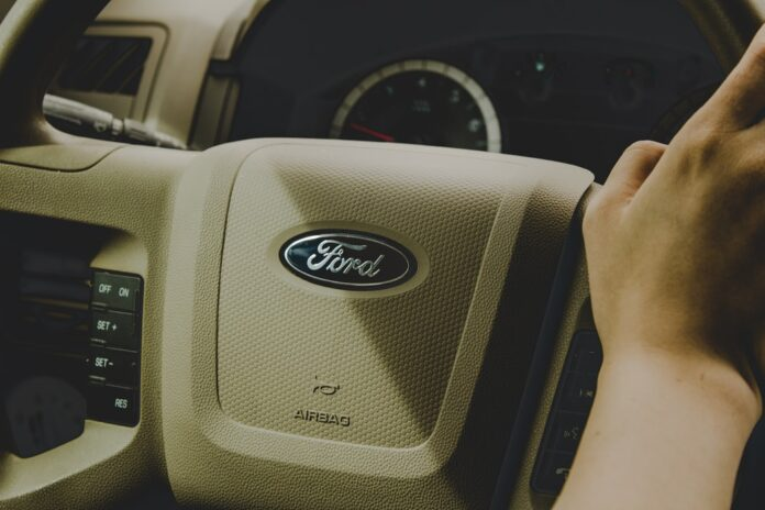 Ford-Shares-Down-After-Reporting-Falling-Revenue