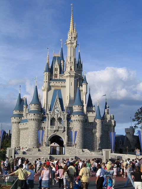 Disney_Stands_to_Lose_$1_Billion_for_Every_Month_It_Stays_Closed