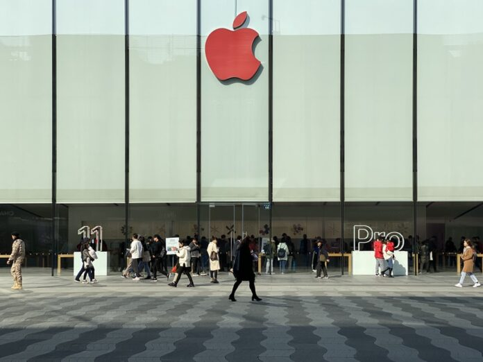 Warren_Buffett's_Apple_Stake_is_Up_By_$40_Billion