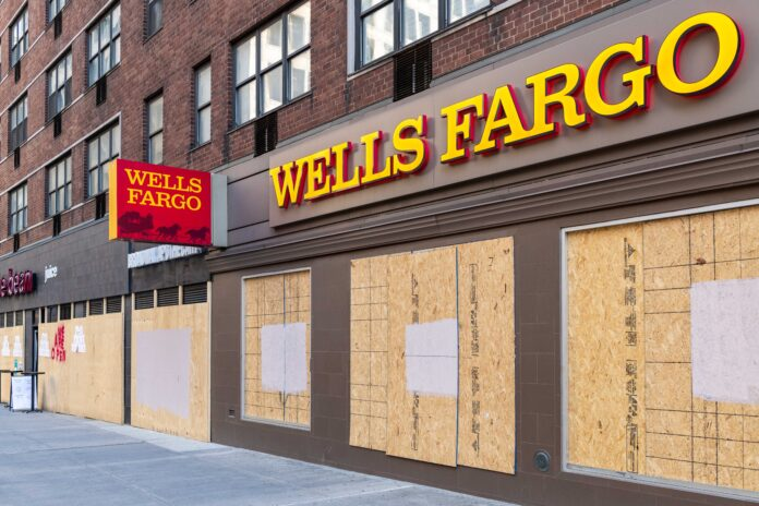 Wells_Fargo_Posts_$2.4_Billion_Loss,_Shares_Tumble
