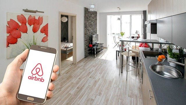 Airbnb-Has-Public-Ambitions