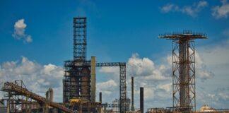 Oil-Reaches-High-Amid-Winter-Storm-as-it-Drives-Demand