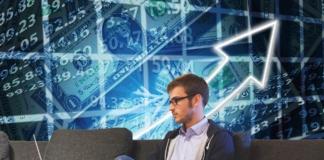 Tech-Stocks-Soar-Prompting-Nasdaq-to-Reach-a-Record-High