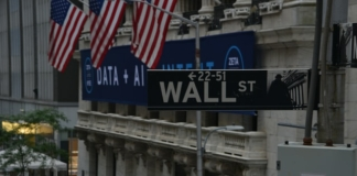 Dow-Continues-Winning-Streak-After-Hitting-Record-High